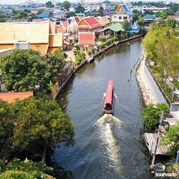 Damneon Saduak Floating Market and River Kwai Tour