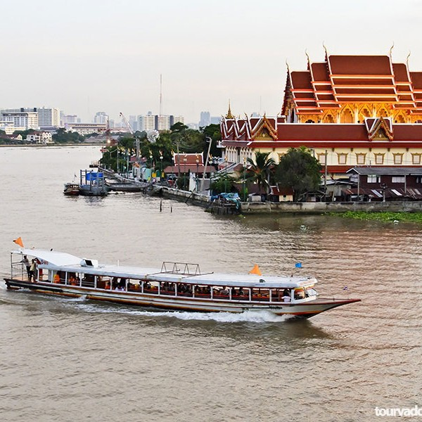 Grand Pearl Dinner Cruise in Bangkok