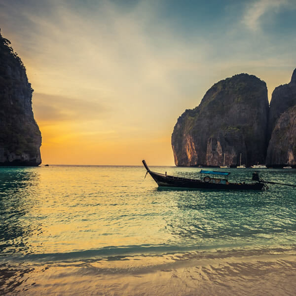 Full Day Phi Phi Island Sunrise Tour by Speedboat from Phuket